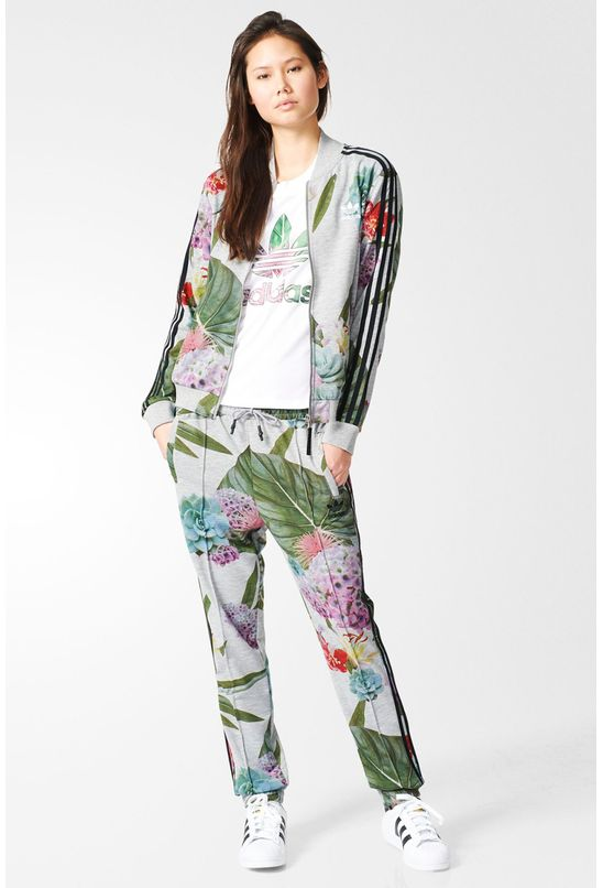 AJ8882_25_outfit