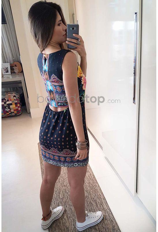 Sonhar com vestido longo azul