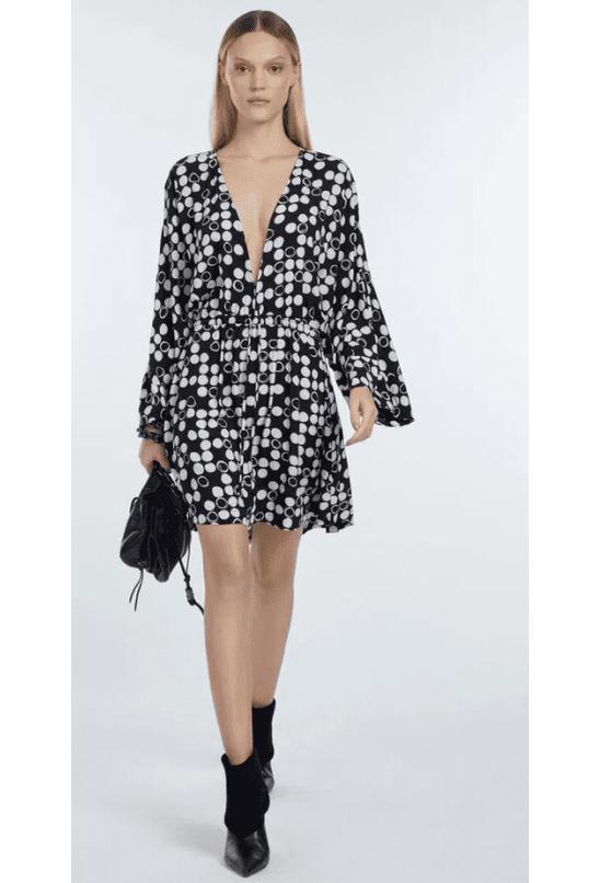 vestido-de-viscose-curto-estampado-tunica-kimono-est-pois-damas-preto-e-aspargo-p-07-02-5830-21083-frente